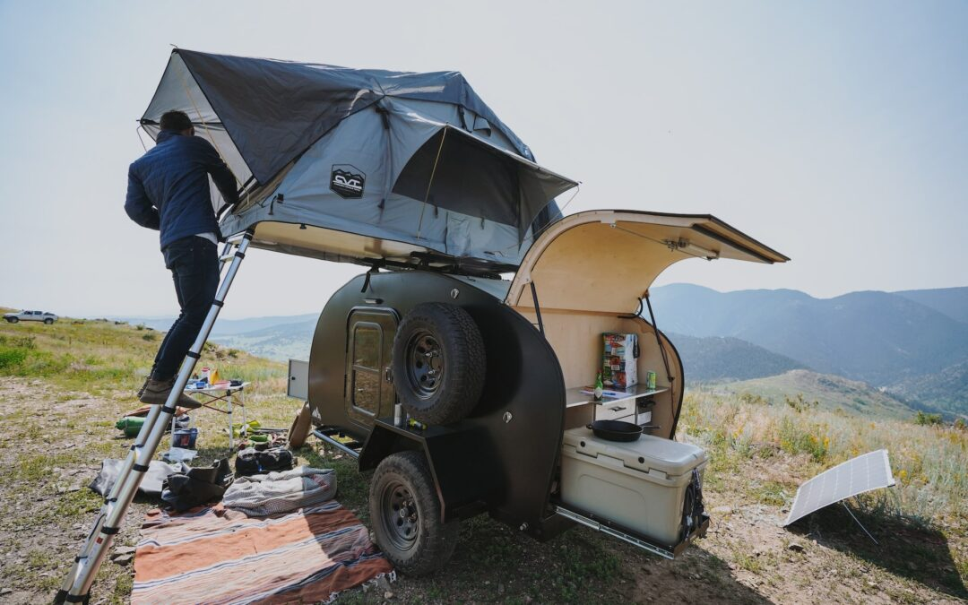Black Outpost Roof Top Tent